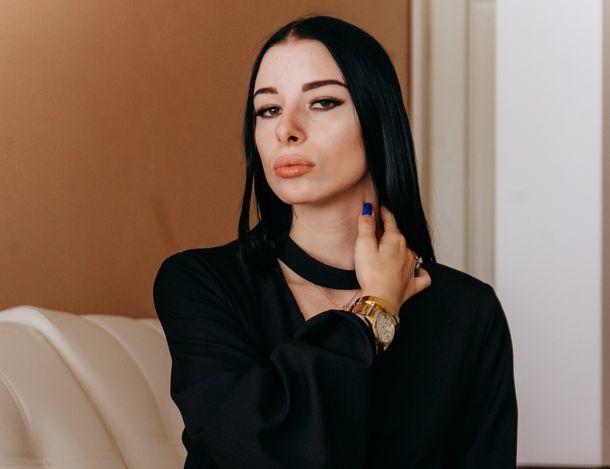 «Чтобы не ранить себя, с людьми приходится играть», - участница «Мисс Блокнот Ставрополь» София Пономарева