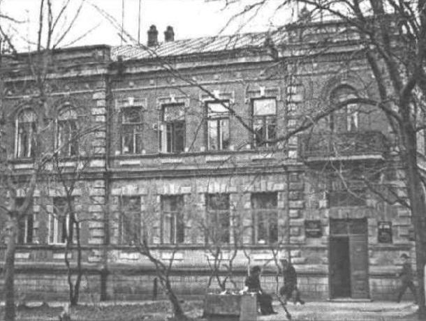 «Копия губернаторского дома и комитет радиовещания»: история дома Торбиных в Ставрополе