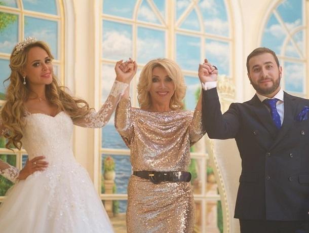 Ставропольская модель Анна Калашникова вышла замуж за певца Эдгара в его новом клипе