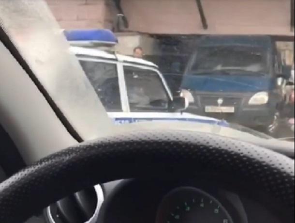В «лапы» моста - «ловушки» в Пятигорске снова попала «Газель»
