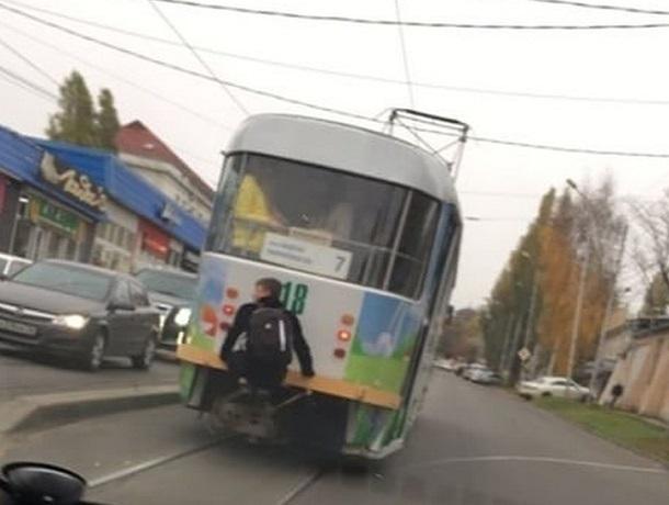 Смертельно опасное развлечение подростка вызвало горячие споры в Пятигорске