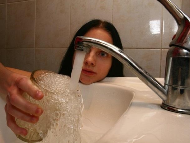 Ставропольцам рассказали, какой температуры должна быть горячая вода в кране