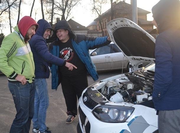 Тюнинг как образ жизни: во сколько обходится водителям любовь к креативу  в Ставрополе
