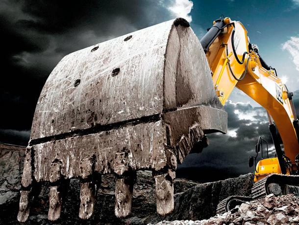 Двое мужчин похитили тракторный ковш на Ставрополье