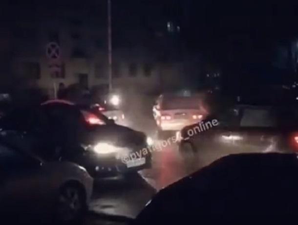 На ежедневный транспортный коллапс на дороге пожаловались жители Пятигорска