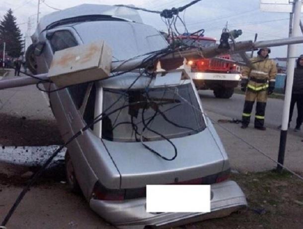 Водителя с переломом пришлось эвакуировать из «взлетевшей» «десятки» на Ставрополье