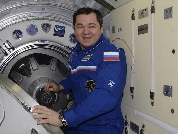 Ставропольский космонавт Олег Скрипочка принимает поздравления в свой профессиональный праздник