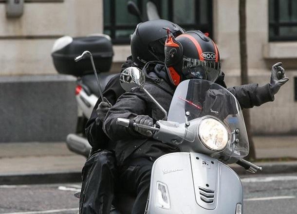 Два товарища решили покататься на чужом мотоцикле на Ставрополье