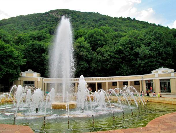 Цвето-музыкальный фонтан в Железноводске обновят