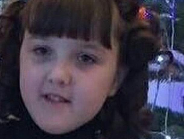 12-летняя девочка в коричневой куртке вышла из дома и пропала в Кисловодске