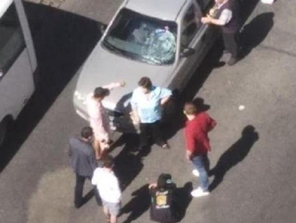 Перебегавшего по «зебре» пешехода сбил автомобиль на юге Ставрополя