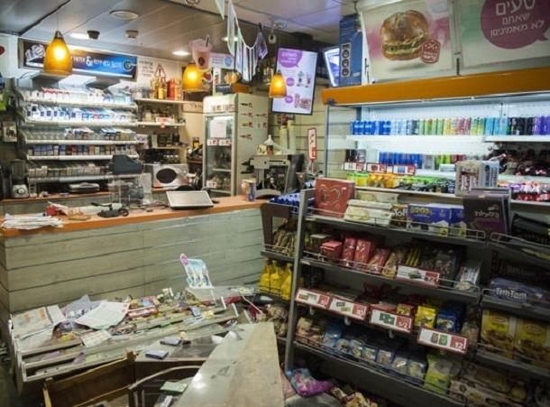 Обиженный мужчина ночью разгромил магазин девушки на Ставрополье
