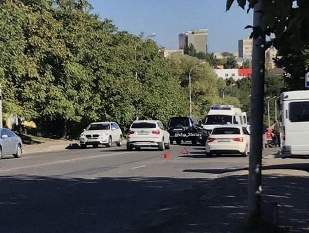 Иномарка сбила перебегавшего дорогу человека на Киринском мосту в Ставрополе