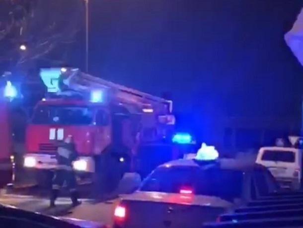 Обезумевший голый мужчина поджег собственную квартиру в Кисловодске, - очевидцы