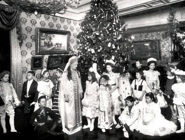 «Новый год в начале  XX века»: как запрещали и возвращали праздник  в стране и на Ставрополье