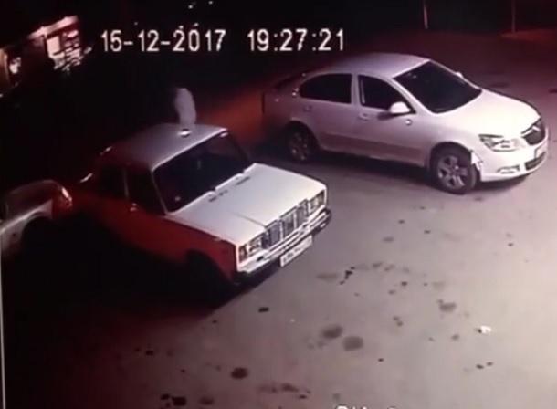 ДТП с ударившим чужую машину и скрывшимся парнем разделило ставропольчан на два лагеря