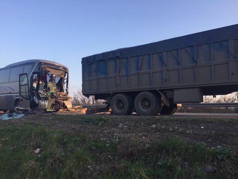 Крупное ДТП вМариуполе: погибли три человека