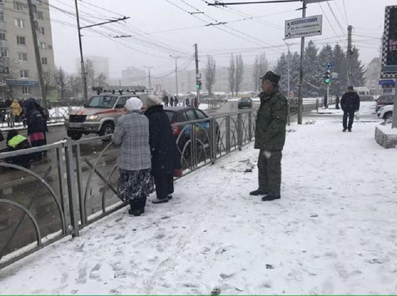 Переходившую внеположенном месте женщину сбил насмерть большегруз вСтаврополе