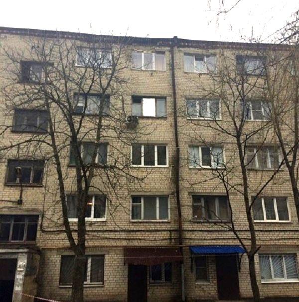 Сооружение прежнего общежития Министерства обороны начало рушиться наглазах граждан Ставрополя