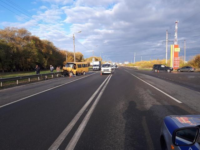 Несколько человек пострадали втройном ДТП с«ГАЗелью» вНевинномысске