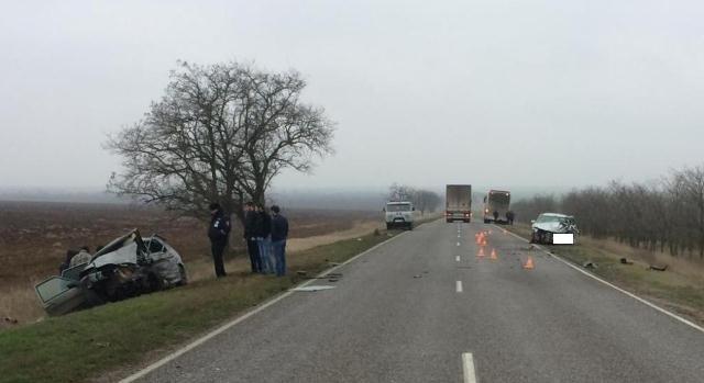При лобовом столкновении наСтаврополье погибли 2 человека